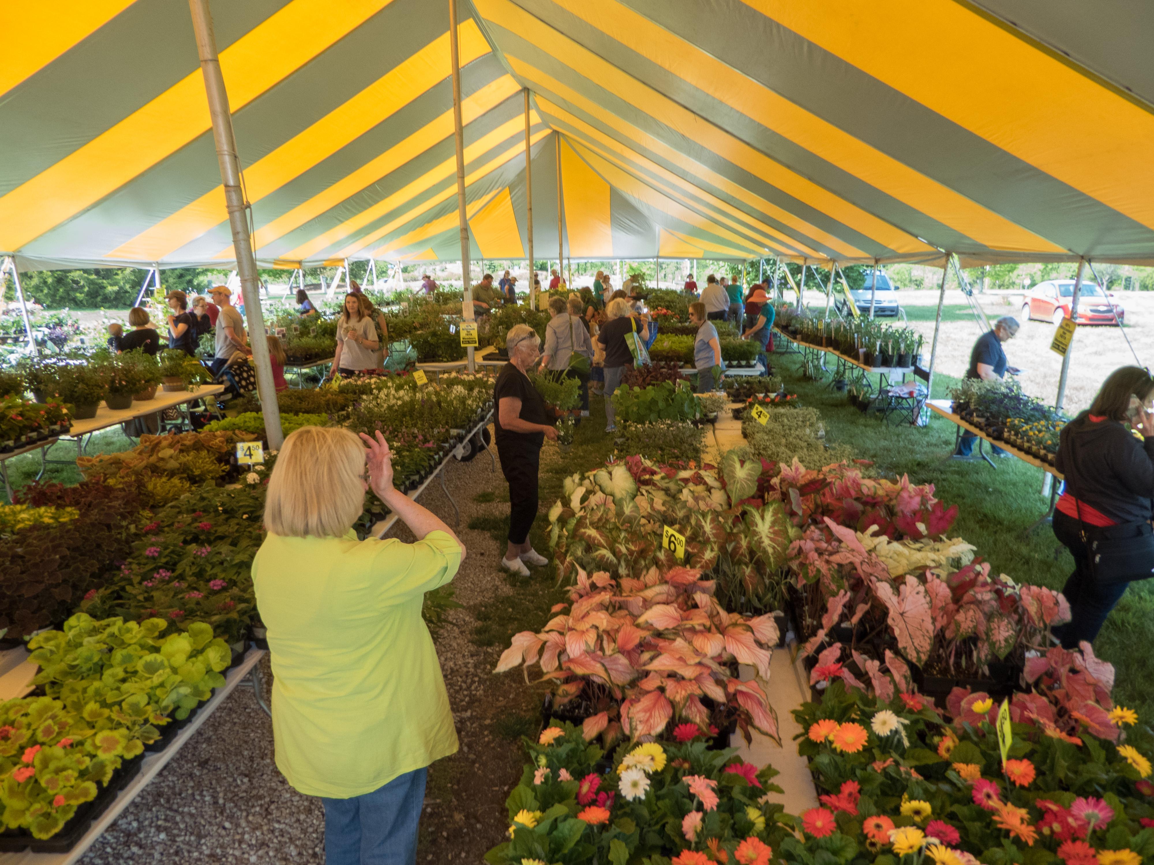 Friends of the Arboretum Plant Sale | Get Outdoors Kansas